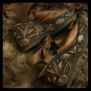 90s Vintage Brown leather carved wood Platforms